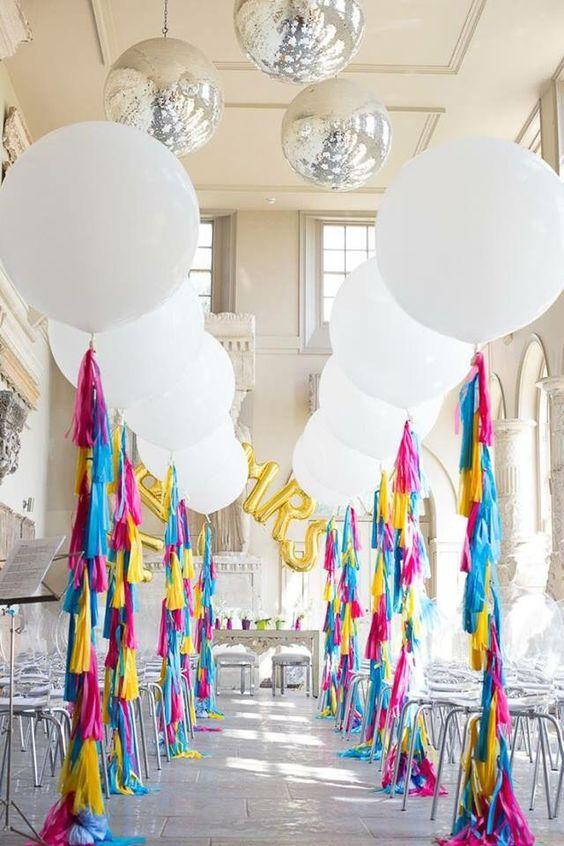 Globos coloridos para fiesta de 15 años