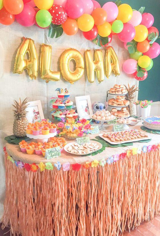 Decoración para fiesta temática de lilo y stitch