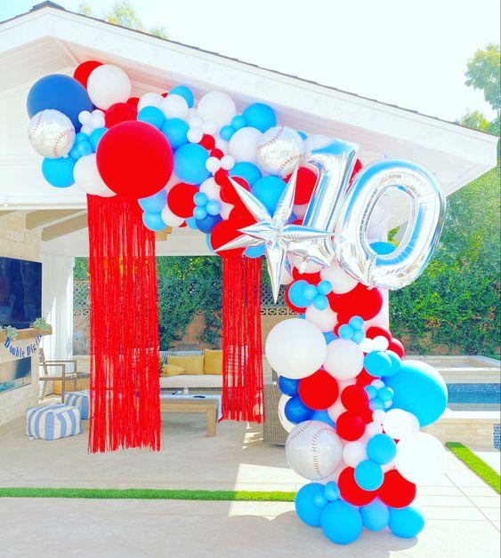 Decoración para fiestas de cumpleaños en alberca