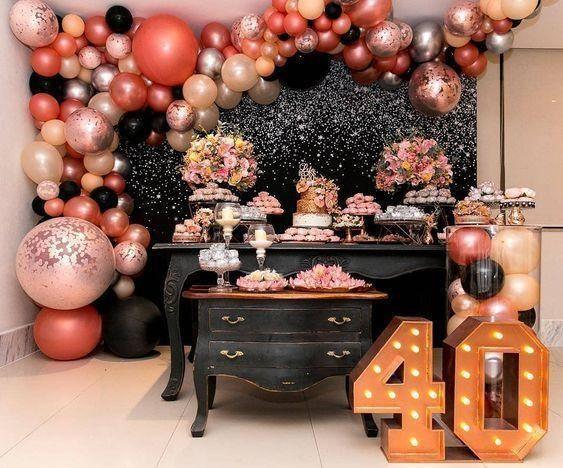 Fiesta de cumpleaños en casa para mujeres maduras o de 40