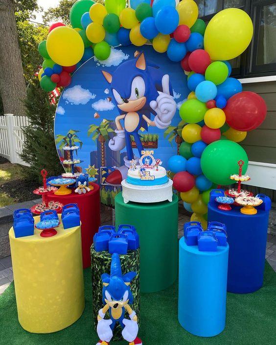 Mesas de postres para fiesta temática de sonic boom
