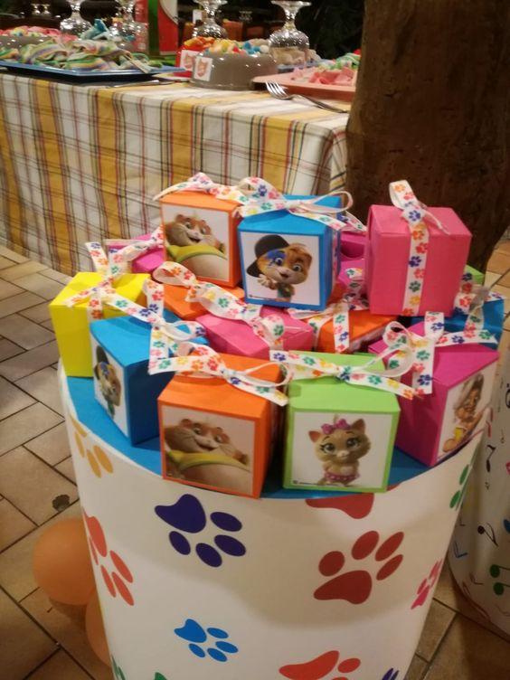 Mesas de postres para fiesta de 44 gatos