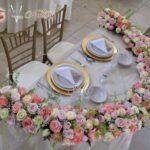 Hermosos y delicados arreglos para mesa de novios