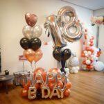 Opciones de arreglos gigantes con globos para hombre