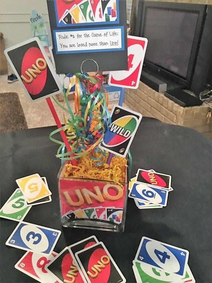 Centros de mesa para fiesta de UNO